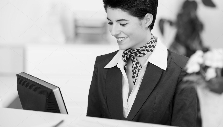 receptionwoman